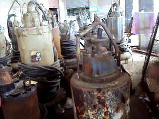 فيديو.. إهدار مال عام بـ«مياه بورسعيد»: معدات بالملايين تحولت لخردة
