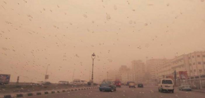 بالصور.. عواصف شديدة وتساقط للأمطار في الإسكندرية