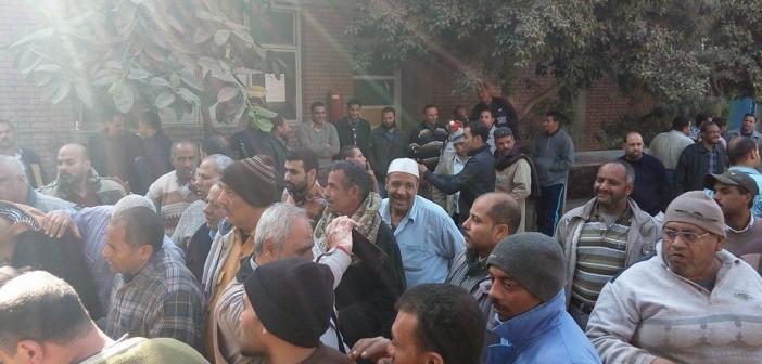 اعتصام عشرات العاملين بـ«إيجليكت».. ودخولهم في إضراب عن العمل