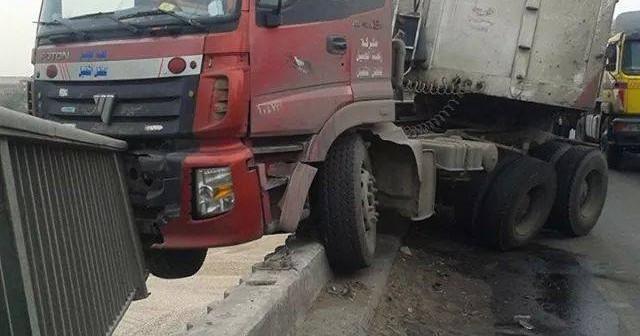 بالصورة.. العناية الإلهية تنقذ الطريق الدائري من حادث مروع