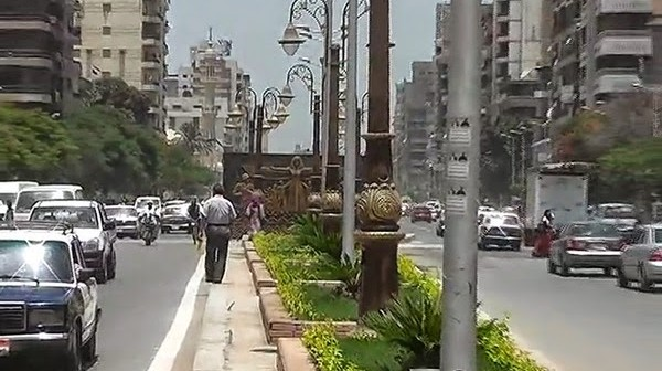 شارع البحر في طنطا: 10 حارات مرورية ولا مكان لعبور المشاه