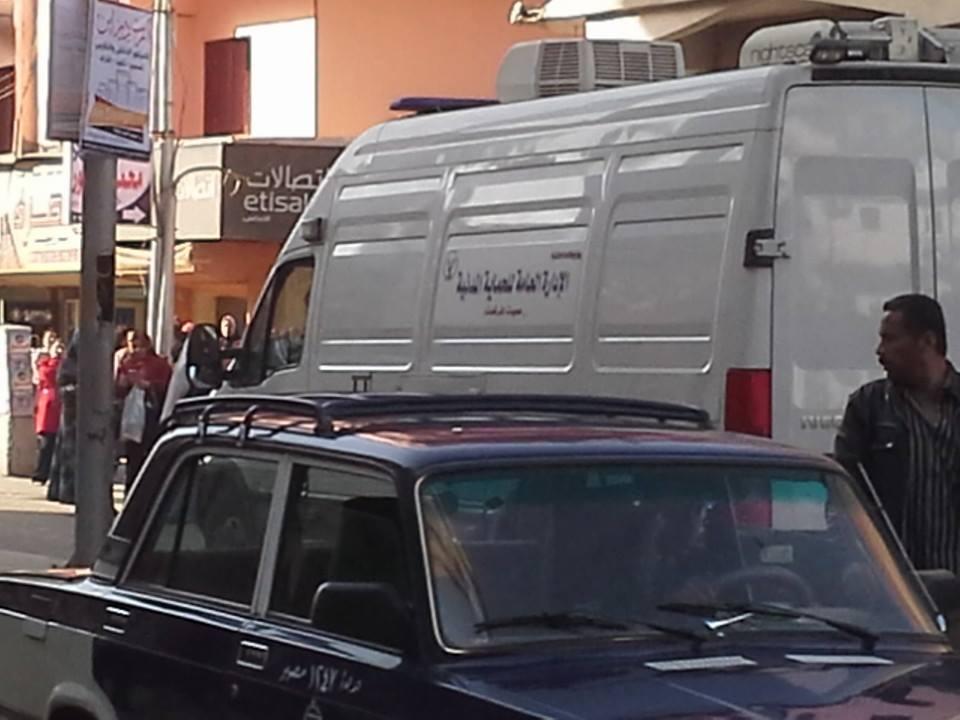 قوات الحماية المدنية بسوهاج تتمكن  من إبطال مفعول قنبلة . تم وضعها أمام الباب الخلفي لحي شرق والمؤدي لاستراحة رئيس الحي.
