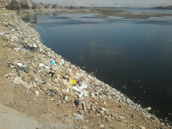 انقذوا مياه النيل فى سوهاج من مخالفات الاهالى