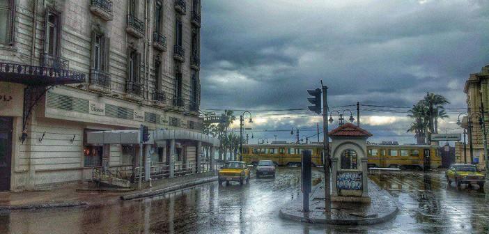 شوارع الإسكندرية في يوم ممطر (صورة)