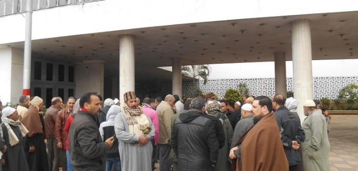 مظاهرة أمام ديوان محافظة الدقهلية لإعادة رئيس مدينة دكرنس إلى منصبه (صور وفيديو)