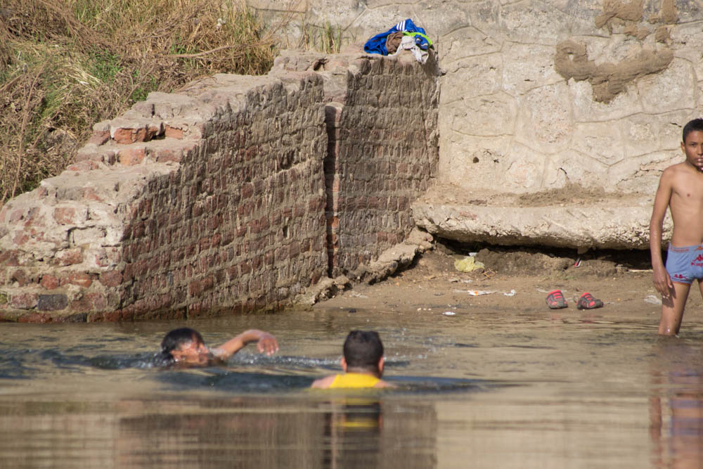 السباحة فى نيل سوهاج
