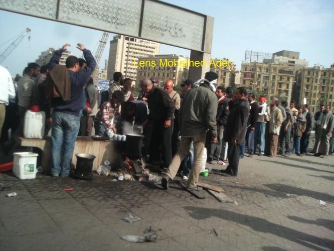 اول حد يعمل شاى فى ميدان التحرير