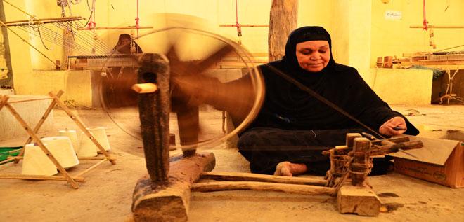 قنا.. حرفة «المكوك» الفرعوني والتراث المنسي بالصعيد