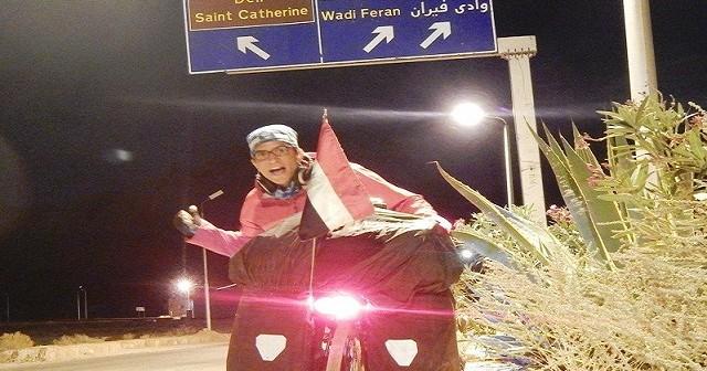 بالعجلة.. الرحالة جلال شتيلة يقطع 7 آلاف كيلو لتشجيع السياحة في مصر