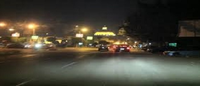 تفاصيل ضرب وسرقة مواطنة على بعد 10 أمتار من الشرطة: «الرصيف مش تبعنا»