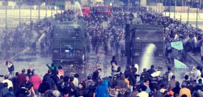 25 يناير.. شاركونا صوركم وتجاربكم الشخصية في «18 يوم ثورة»