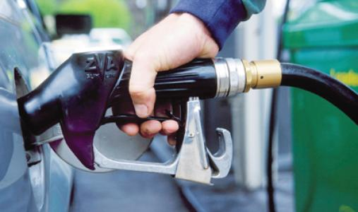 مواطنون يشكون تهريب الوقود للسوق السوداء بالمنيا
