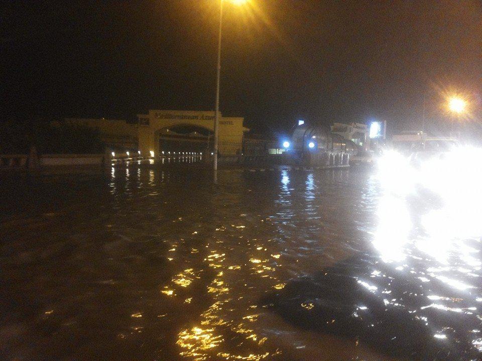 الإسكندرية تغرق في الصرف الصحي.. انفجار ماسورة جديدة