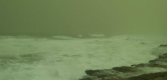 بالصور.. موجة من الطقس السيئ تضرب الإسكندرية
