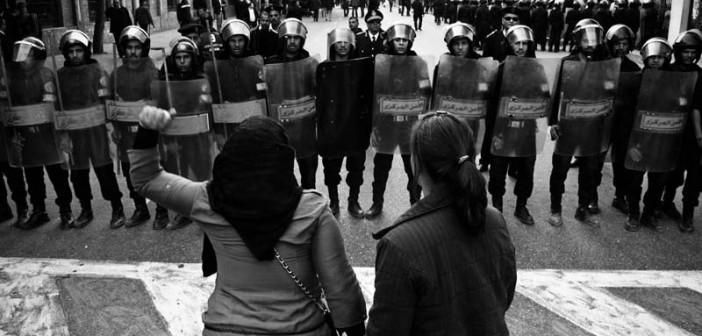 حكاوي 25 يناير.. اتهامات النيابة والكلابشات (18 يوم ثورة)