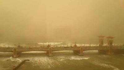 الإسكندرية ـ كوبري ستانلي .. عاصفة رملية