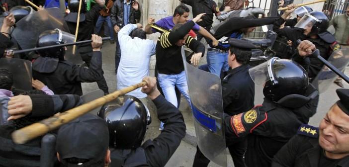 بالفيديو.. 25 يناير في 4 دقائق (شهادات 18 يوم ثورة)