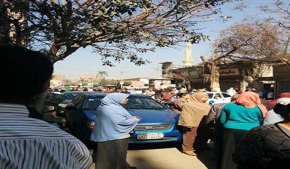 إبطال مفعول قنبلة وضعت بحمام مديرية الضرائب في بني سويف (صورة)
