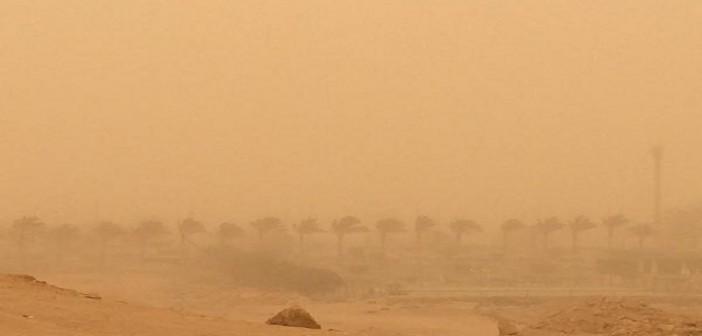 بالصور.. عواصف ترابية تضرب القاهرة: «هتدفن وأنت ماشي»