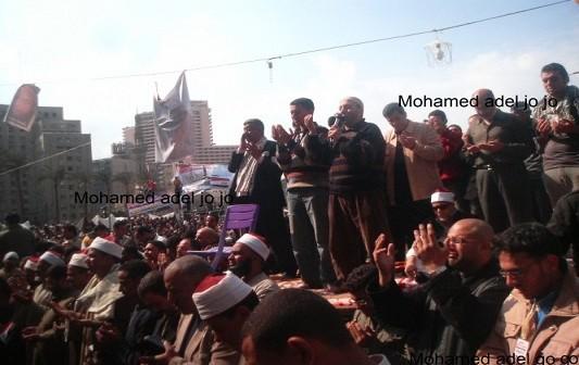 صورة.. «التحرير» يوم التنحي.. أيد واحدة ضد فساد مبارك (18 يوم ثورة)