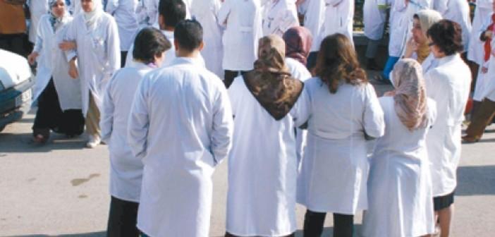 150 ممرضًا بـ«قومي الأورام» يطلبون حل أزمة إنهاء إعارتهم بالخليج