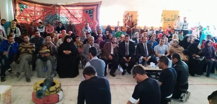 تكريم «أم أوشة» كأم مثالية لشمال سيناء بحضور المحافظ (صور)