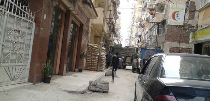 بالصور.. مخاوف من بناء عمارة مخالفة في الإسكندرية