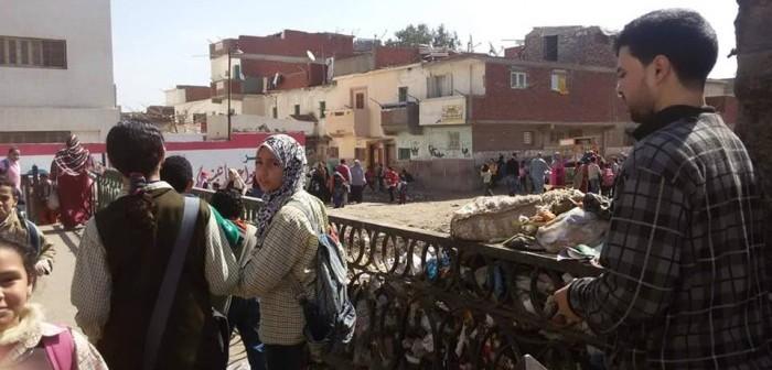 بالصور.. الصرف الصحي والقمامة والأغنام تحاصر مدارس كفر الدوار
