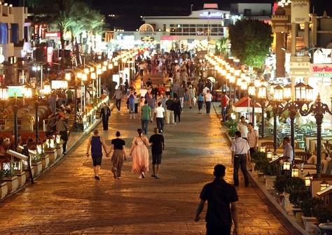 أزمة السياحة في مصر.. مسؤولون غائبون وقطاع مازال يعاني