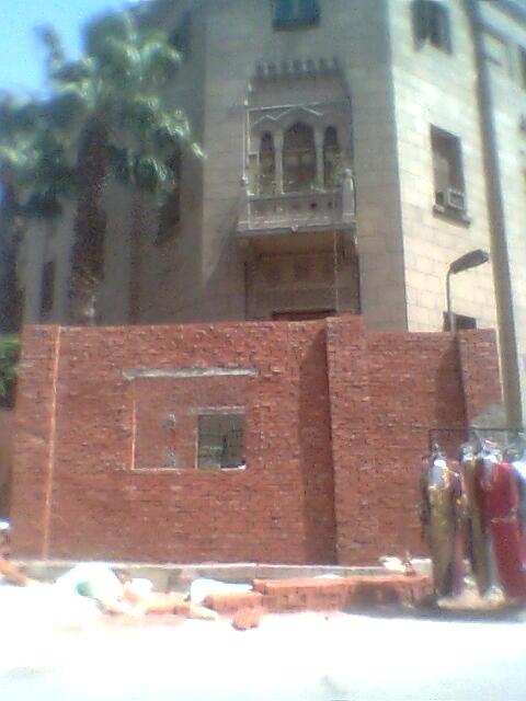 تشويه مسجد الحسين بمبان جديدة حوله