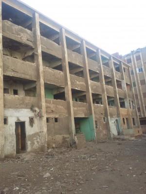 أهالي «كيمان فارس» بالفيوم يقولون إن المساكن ملجأ للخارجين عن القانون (تصوير أحمد البيطار)