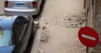 هدم رصيف شارع في الإسكندرية دون ترميمه