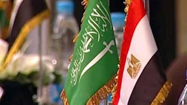 السعودية مجتمع عملي.. ونتلقى معاملة طيبة (مواطن مصري)