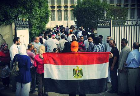 المصريون بالخارج و«عنصرية» بلد الغربة: «بفلوسي»