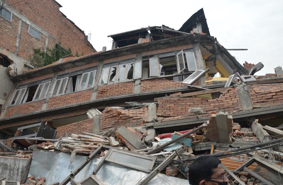 منازل انهارت إثر الزلزال (تصوير أحمد الصعيدي)