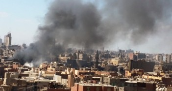تصاعد سحب دخان حريق الغورية (تصوير علاء الحسيني)