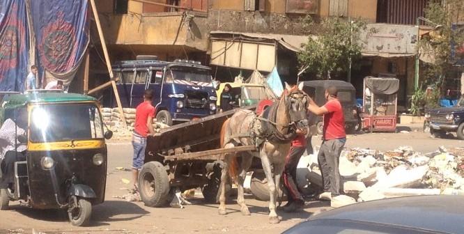 من وراء هذه المهزلة بشارع 15 مايو بشبرا الخيمة (صور)
