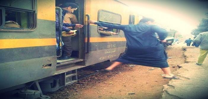 بالصور.. 80 ألف مواطن يواجهون خطر الموت يوميًا تحت قطارات تلا بالمنوفية (📷)