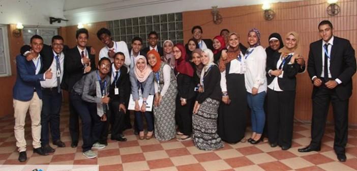 فريق «زود خانة» بجامعة القاهرة يبتكر تطبيقا لفرص العمل على الموبايل