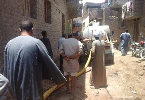 🔴 بالصور.. الصرف يضرب منازل قرى جنوب إسنا بالأقصر.. ويهددها بالانهيار 📷