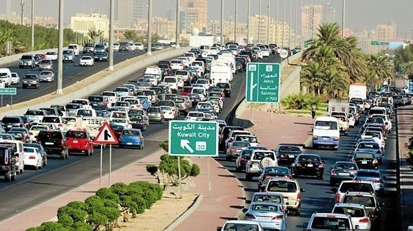رخصة القيادة.. حلم المصريين الصعب المنال في الكويت