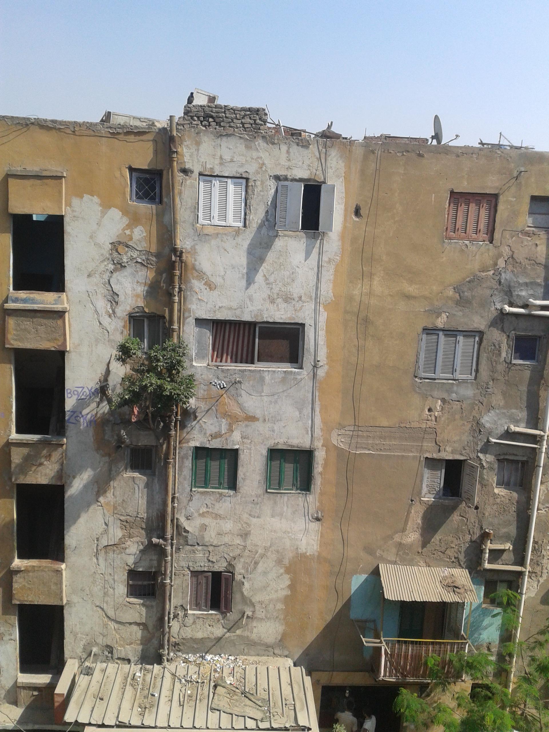 ملامح معاناة طلاب الأزهر في السكن الخارجي بعد إغلاق المدينة الجامعية