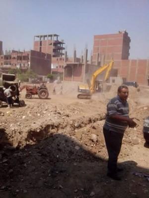 صورة مرسلة من المواطن محمود عبدالرحمن للأرض بعد بدء أعمال بناء الجراج