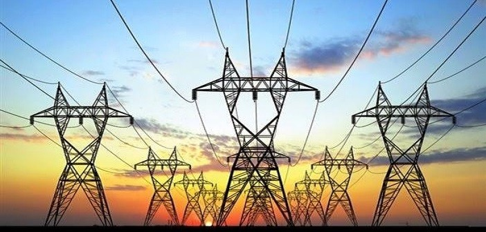 مواطن بالإسكندرية يحذر من خطورة سقوط سلك كهرباء عمومي