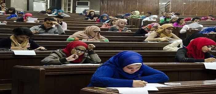 بالصور.. مناهج التعليم المفتوح بـ«عين شمس»: تهاجم الإضرابات وتشجع تعدد الزوجات 📷