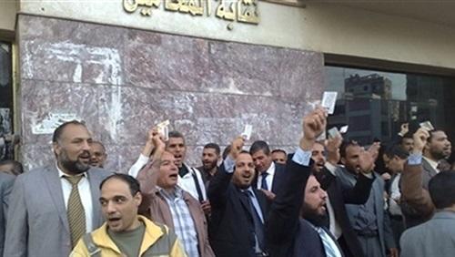 إضراب محامي الوادي الجديد ضد ضرب ضابط لمحامي بـ«الجزمة»
