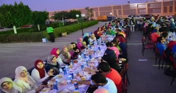 شارك المصري اليوم.. مائدة إفطار جامعة الأهرام الكندية