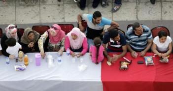 الإسكندرية تشهد أطول مائدة إفطار