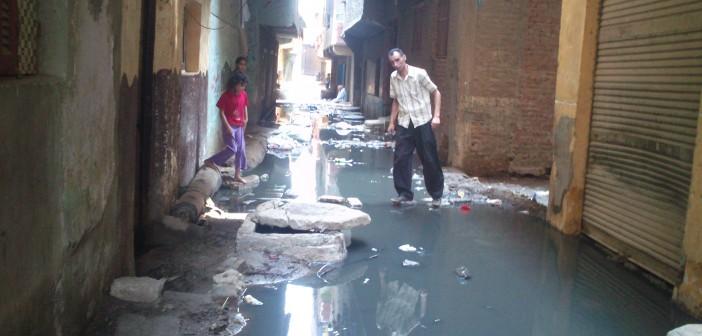 مواطن: غرق شارع بالوراق بمياه الصرف يهدد بانهيار منازله 📷