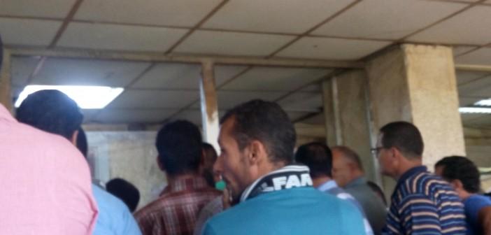 📷 تكدس المواطنين في وحدة مرور طنطا.. وتعامل سيىء من الموظفين